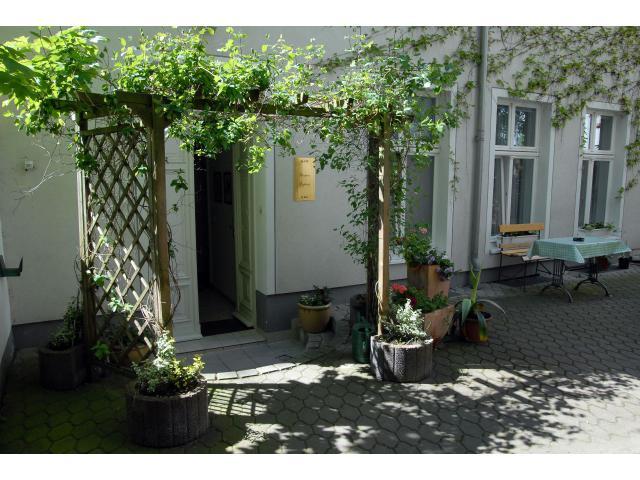 Ferienwohnung, 2 Schlafzimmer, Wohnzimmer, Küche, Bad Zentral Und Günstig - Pension Am Südplatz